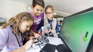 Çocuklar, kendi robotlarını üretiyor
