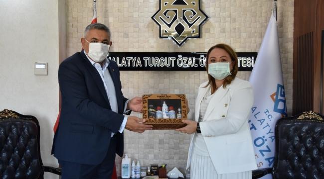 TSO Başkanı Sadıkoğlu'ndan Rektör Karabulut'a ziyaret
