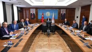 Ticaret Bakanı Dr. Mehmet Muş, Hindistan'a haşhaş tohumu ihracatı krizini çözmek için devreye girdi