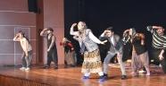 Malatyalı Genç Tiyatrocular Ayakta Alkışlandı